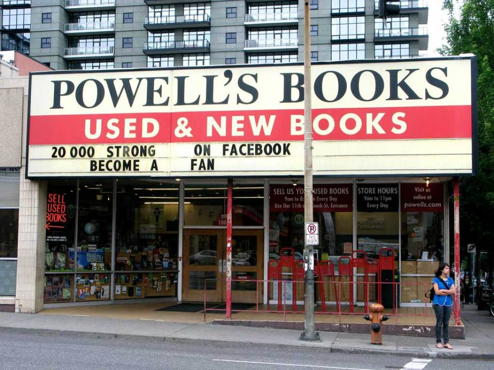 Powell's City of Books – Portland, Oregon