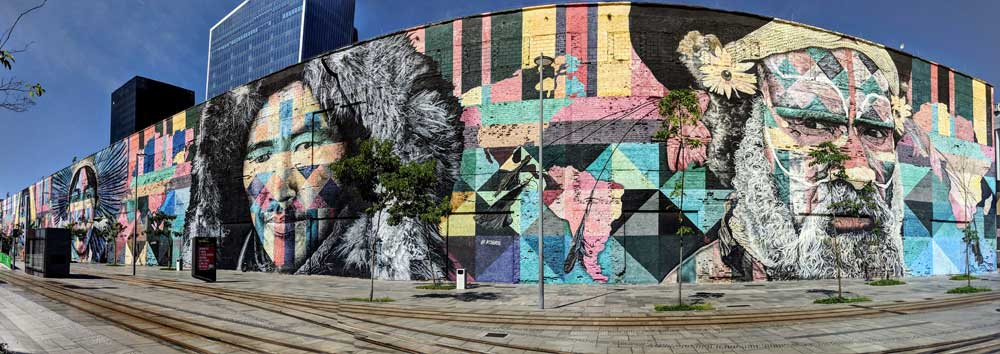 Largest street mural in the world, Rio - learn Portuguese Rio de Janeiro
