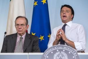 Piercarlo Padoan e Matteo Renzi