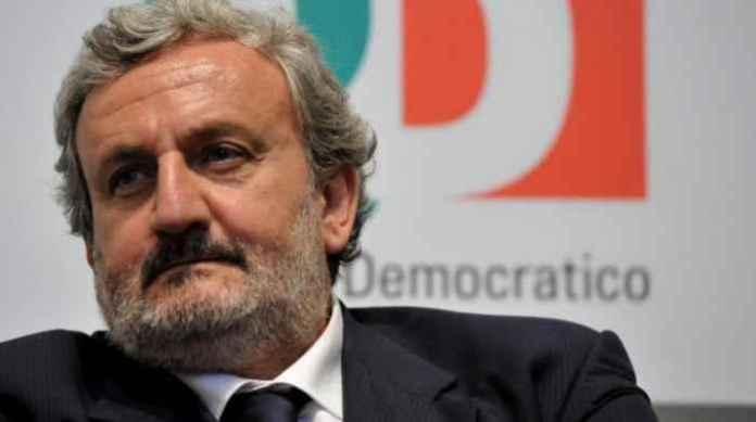 Il governatore della Puglia Michele Emiliano