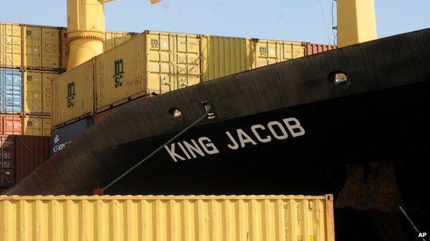 La porta container King Jacob, la prima nave di soccorso. Non ce l'ha fatta a  evitare la strage di migranti
