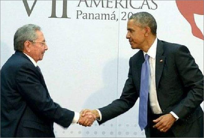 Raul Castro e Barack Obama al summit delle Americhe a Panama