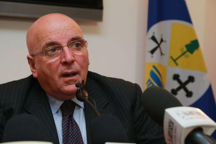 Il governatore della Regione Calabria Mario Oliverio.