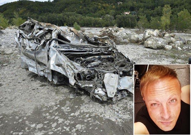 La carcassa dell'auto della famiglia di Gigi Agnelli nel riquadro - Luigi Agnelli