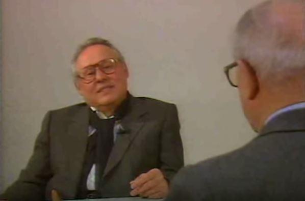 Il boss mafioso Luciano Liggio intervistato per la Rai da Enzo Biagi (di spalle)