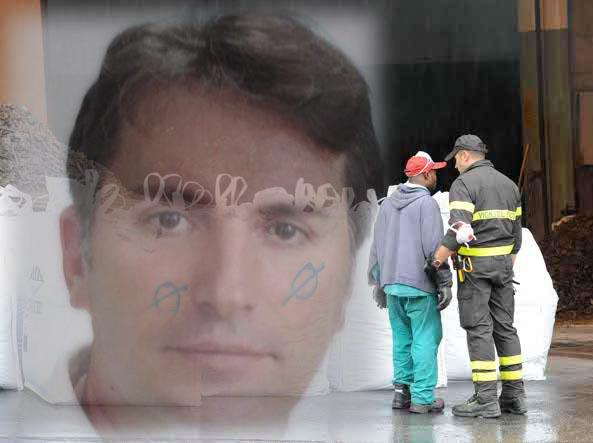 Le ricerche nella fonderia della famiglia di Mario Bozzoli sullo sfondo (Foto in fonderia Cavicchi)