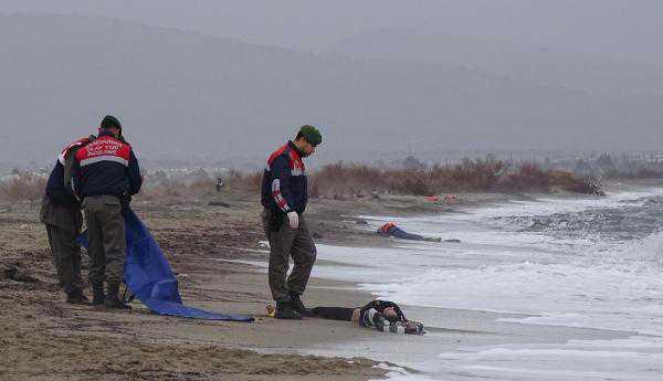 Naufragio nell'Egeo, 40 morti tra cui 20 bambini