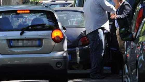 Cosenza, lotta ai parcheggiatori abusisi. Multati 4 pregiudicati