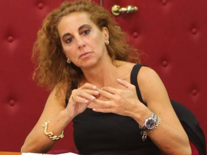 """La Camera approva le """"quote rosa"""" nei consigli regionali - Wanda Ferro"""