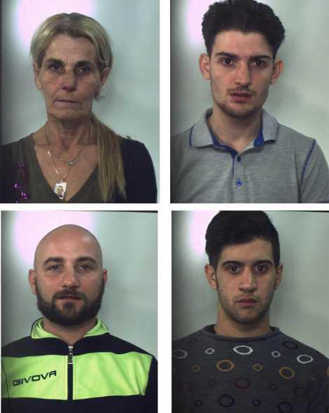 Detenzione e spaccio di droga, 4 in manette ad Aversa