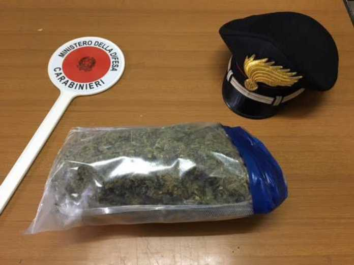 Villa San Giovanni, i carabinieri arrestano ragazzo per marijuana