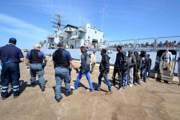 Sbarco migranti a Botricello, arrestati presunti scafisti