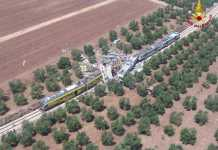 Una vista aerea del drammatico incidente ferroviario in Puglia