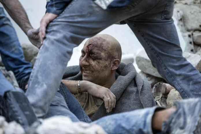 uomo estratto vivo macerie terremoto 24 agosto 2016