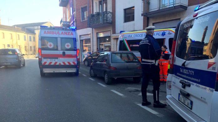 olizia municipale ambulanza