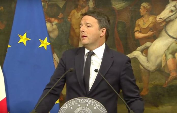 Matteo Renzi annuncia le dimissioni a palazzo Chigi