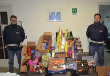 Gli agenti della Polizia di Crotone con parte dei botti illegali sequestrati