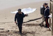 cadavere sulla spiaggia