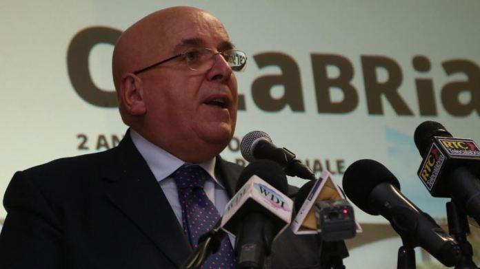 Calabria, governatore Oliverio indagato per abuso d'ufficio