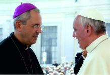Mons Francesco Nolè con Papa Francesco