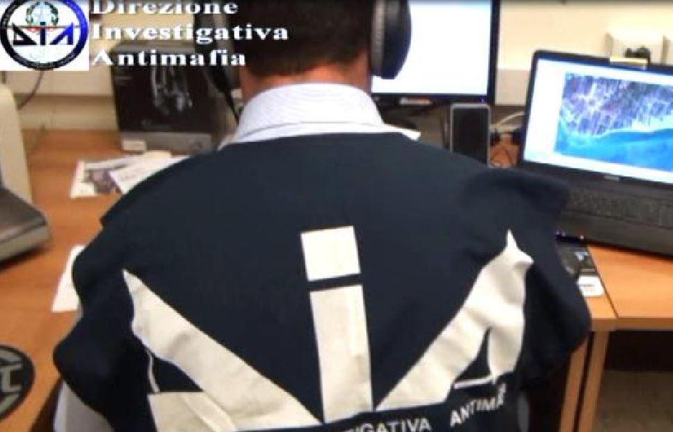 'Ndrangheta, pestaggio figlio boss: due arresti a Milano