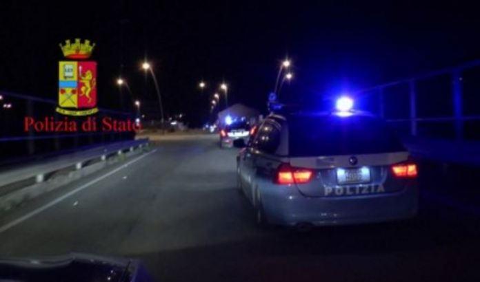 Polizia blitz notte