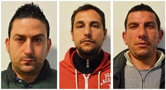 Da sinistra Leonardo Sibilla, Gaetano Pignolo e Santo Proietto arrestati crotone rapina