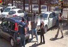 Eli Bombataliev mentre viene fermato a Bari da Digos e Finanzieri