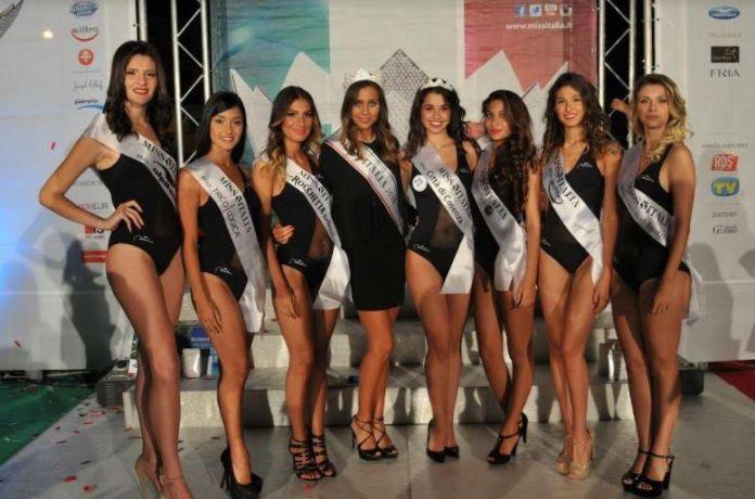 Tutte le miss di Cosenza, Ilaria Giancola è la quarta da destra