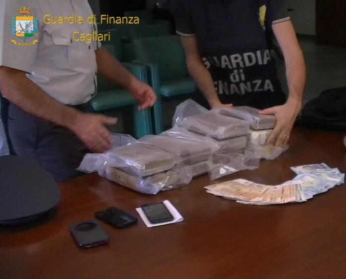 arresti cagliari cocaina