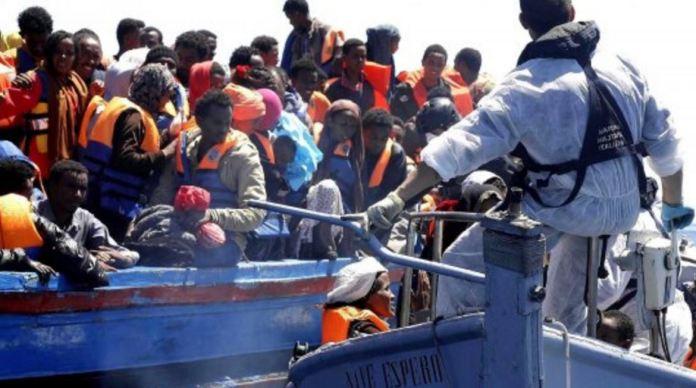 migranti navi barconi