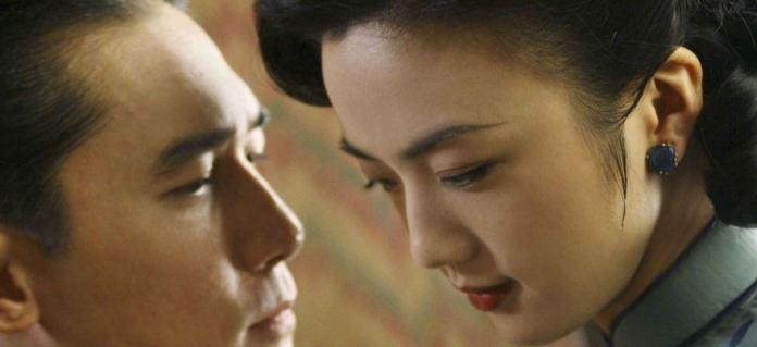 Una immagine tratta dal film Lussuria Seduzione e tradimento, del regista Ang Lee