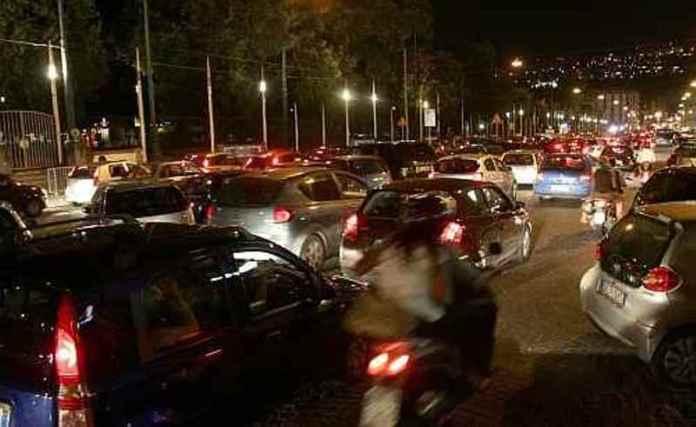 traffico di sera