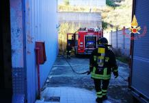 Incendio capannone in località Fortuna a Catanzaro