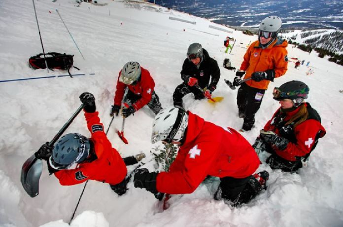 incidenti montagna neve valanga