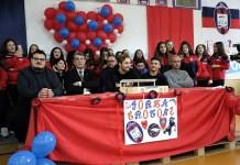 Calciatori del Crotone ospiti della scuola Vittorio Alfieri di Crotone