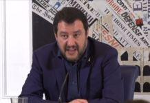Matteo Salvini durante l'incontro con la stampa estera