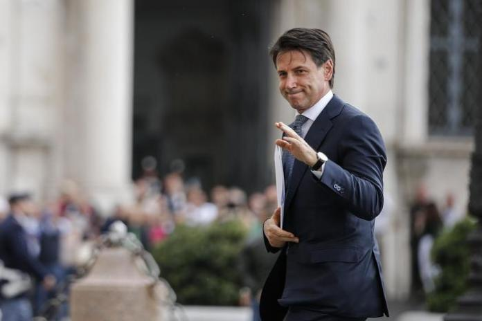 Giuseppe Conte al suo arrivo ieri al Palazzo del Quirinale