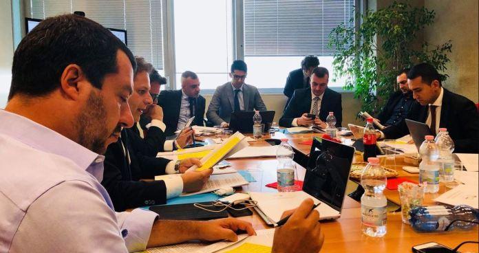Matteo Salvini e Luigi Di Maio a Milano nel corso dell'incontro per stilare il programma di governo Lega M5s
