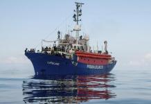 """Migranti, Lifeline, la nave """"fantasma"""""""