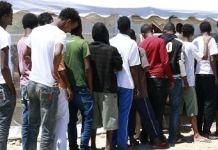 migranti centro accoglienza