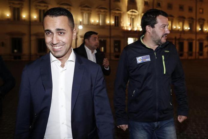 """Bocciatura manovra, ira di Di Maio e Salvini: """"Così attaccano il popolo"""""""