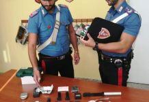 Cocaina, pistola e strumenti per eludere i controlli, arrestato