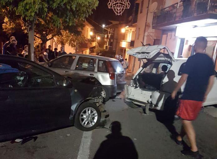 Auto coinvolte incidente in centro a Tarsia