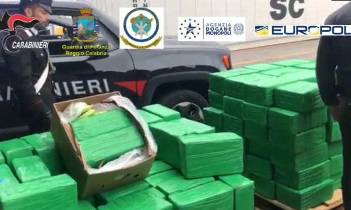 Maxi sequestro di Cocaina nel porto di Gioia Tauro: 1.200 kg tra le banane
