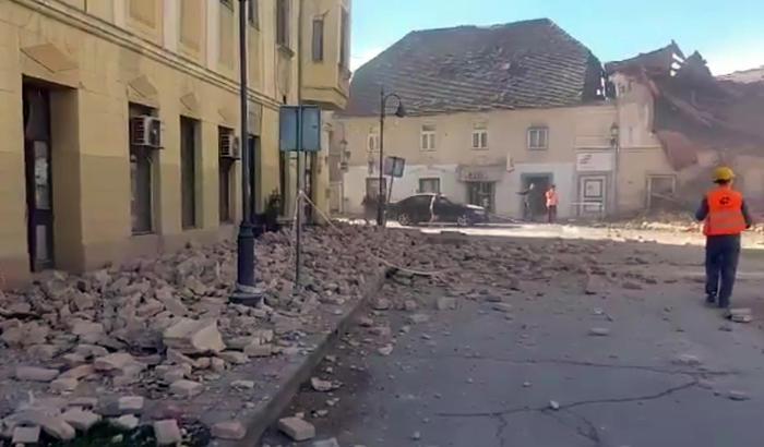 Forte terremoto in Croazia, magnitudo 6.4. Crolli e feriti. Forse vittime