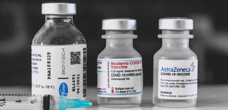 """Studio Oxford su 'The Lancet': """"Reale efficacia dei vaccini dallo 0,84 al 3%"""""""