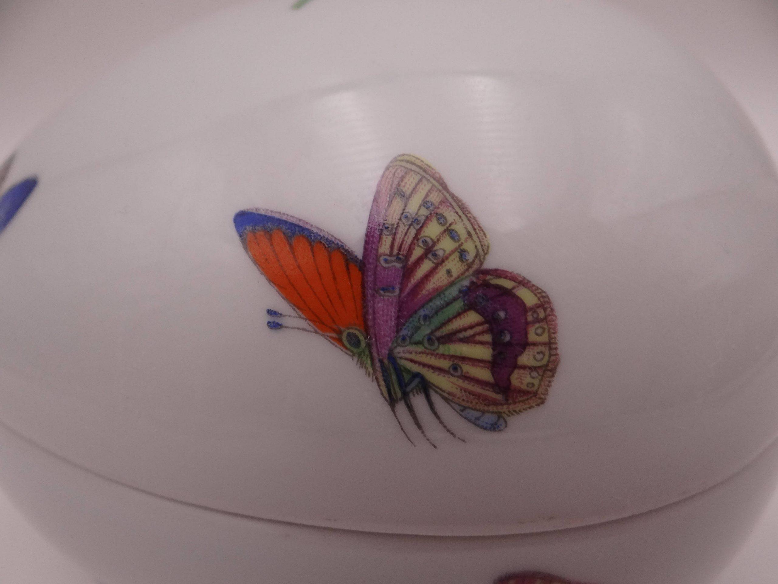 Zanzibar Jeweled Enamel Trinket Box Butterfly Hangzhou in Box