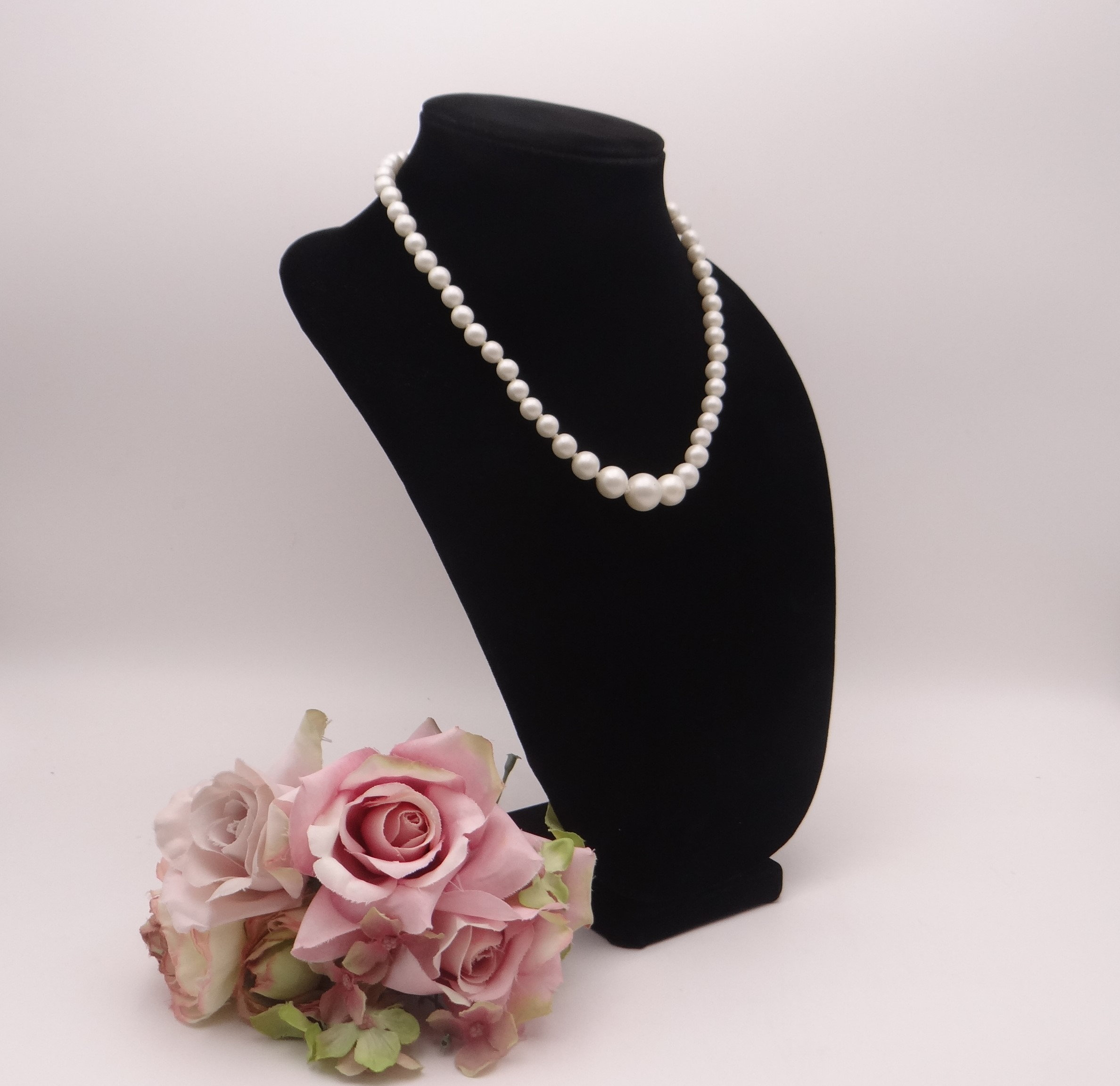 Silver Necklace with Silvery and Ivory Pearl 569j