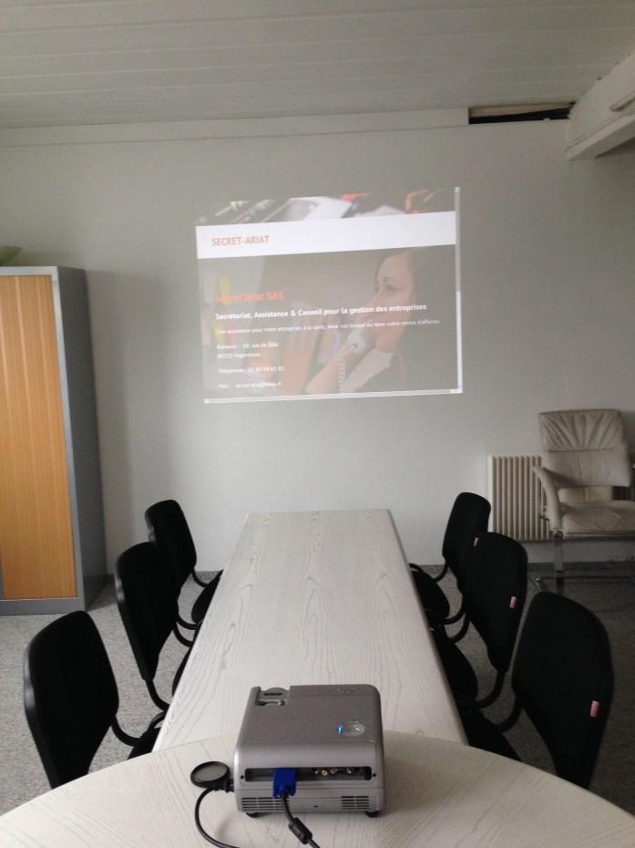 Salle de réunion - poste présentateur